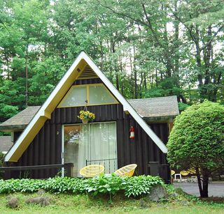 Quirky lake george cottages
