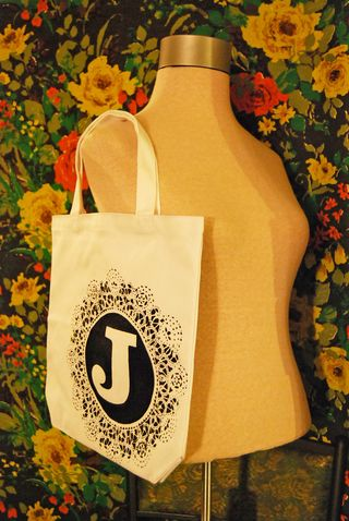 Doily monogrammed tote 1