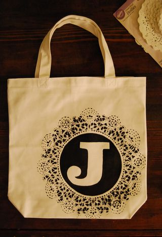 Doily monogrammed tote 2